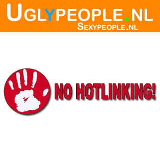 Image: 440 - Uglyness: 6.13 - Photo Title: Blote Borsten met Holland stickers